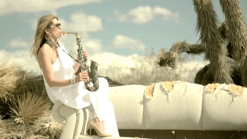 TMTQ Katja Rieckermann feat. Rod Stewart - Da Ya Think Im Sexy (Official Video)