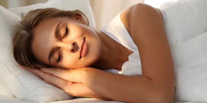 Почему спать нужно только на левом боку: узнайте 4 веские причины