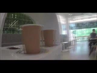 Робот-бариста в кафе Южнои Кореи