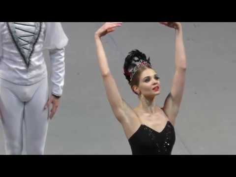 Swan Lake Act II Vorontsova and Latypov Odile's entrance Adagio and Siegfried variation