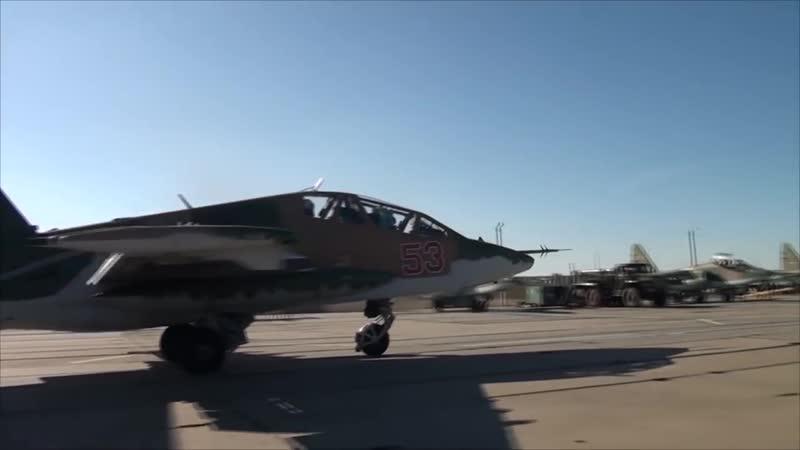 Тренировка экипажей штурмовиков Су 25СМ3 Грач в Краснодарском крае