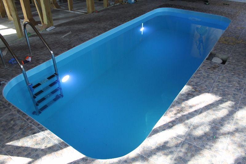 Установка прожектора в полипропиленовый бассейн