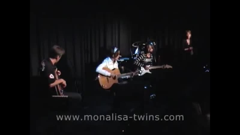 MonaLisa Twins - I Will (The Beatles Cover) live!
