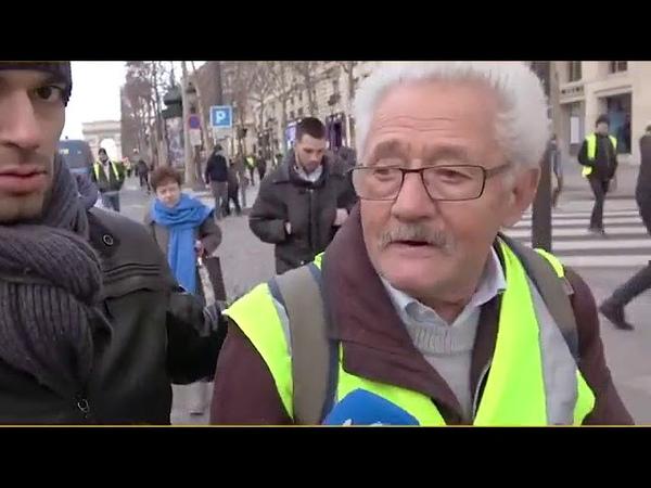 Cyril Hanouna Ce Gilet Jaune Mr Robin Bernard te fera fondre des larmes Posted By Skutnik Michel