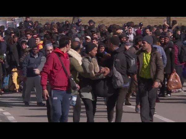 Mehrere Verletzte an kroatischer Grenze 300 Migranten versuchen gewaltsam in die EU zu gelangen