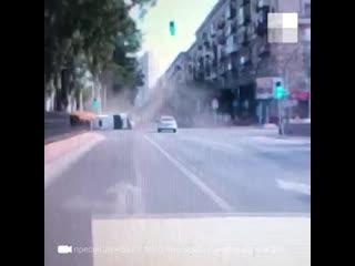 Момент ДТП в центре Волгограда