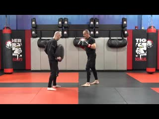 Kickboxing Classes All Ages - E12 Beginner Bag Training - Shihan R. Schulmann