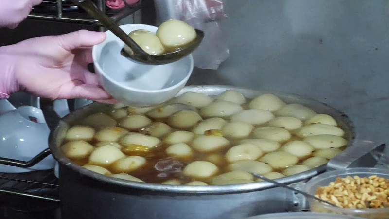 베트남 떡국 로컬 추천 길거리 음식 생강차에 찹쌀떡 넣어 먹는 맛 하노이 호안끼엠 맛집 vietnamese street food