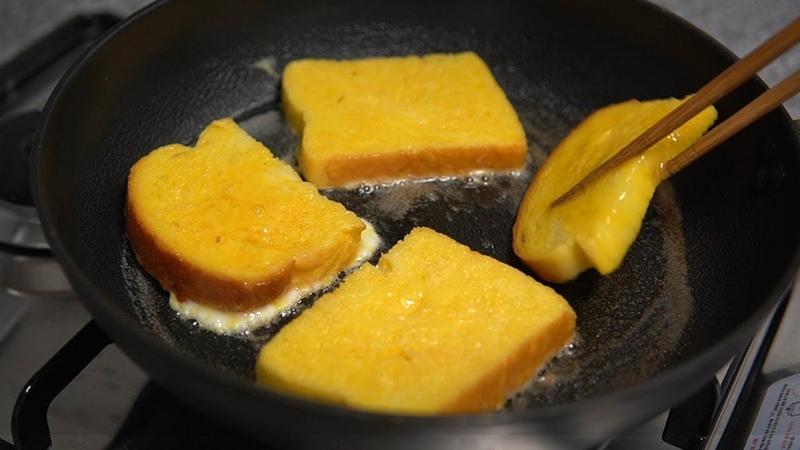 식빵계란토스트 만들기::아침을 깨우는 달콤함::21