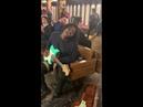 Мужчина взял гитару в подземке и почуствовал нечто свыше люди его закидали деньгами