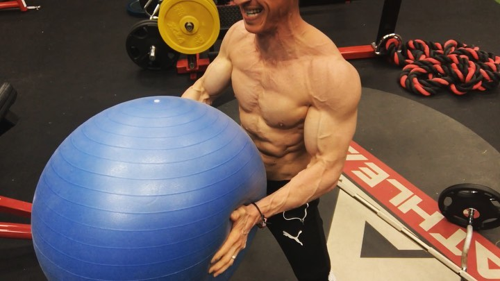 ATHLEAN X™ Jeff Cavaliere on Instagram Here's a quick chest warmup or finisher for you that will light up your pecs in no time flat Pair up