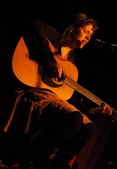 Выступление Адель в 2007 году.