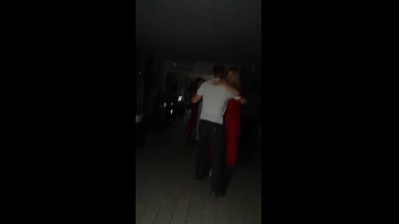 Лоо. 24.07.19. Танцуем внутри Velada. На улице  гроза. Периодически вырубает свет. То при фонарях, то при факелах, то наощупь