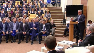 """На заседании фракции """"Единая Россия"""" в Госдуме обсуждали бюджетную политику."""