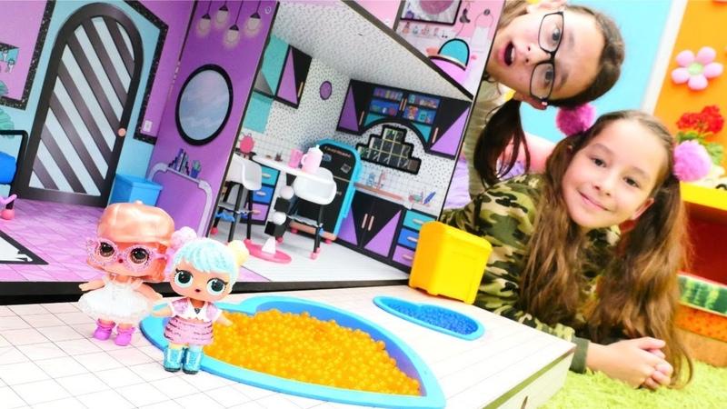Kız oyunları. LOL bebeklerin evinde temizlik yapma oyunu