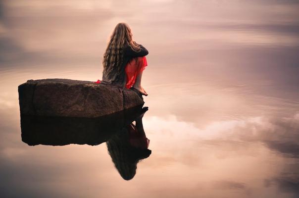 На пути борьбы со страхом у всех начинаются беседы с собой «о вечном»