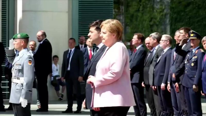 Bundeskanzlerin Merkel zittert beim Staatsempfang das sagt sie dazu