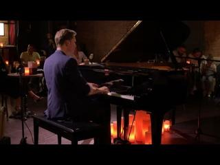 Blame It On My Youth (written by Oscar Levant) – Evgeny Lebedev –  – jazz club ESSE (Moscow 🇷🇺 Russia).