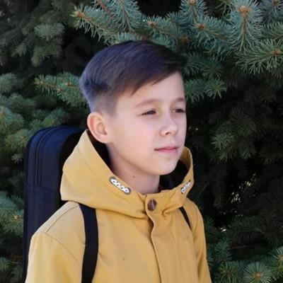Илья Левченко