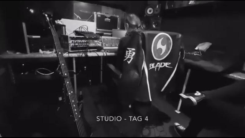 MacBeth In Studio 4 (Rithm-Guitars, Drums Bass done)