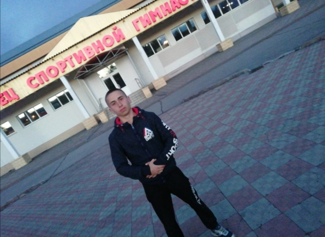 Николай, 19, Belovo