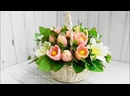 Нежный букет из мыльных лилий, альтромерий и тюльпановв в корзине
