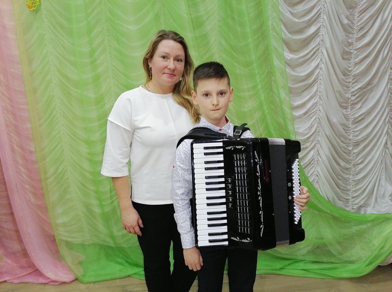 Воспитанники школы искусств Петровска получили награды международного и областного фестивалей