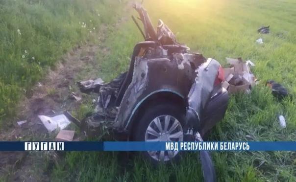 В Мстиславском районе столкнулись два автомобиля – в результате аварии одну маши...