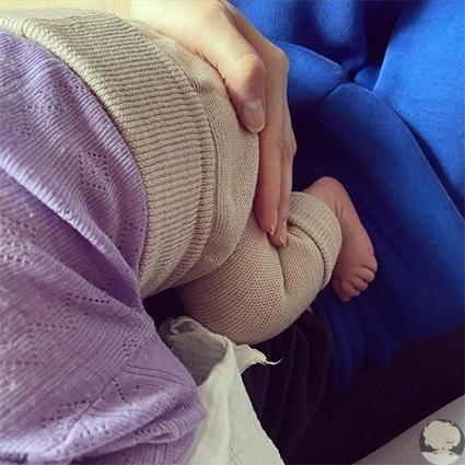 Тони Гаррн и Алекс Петтифер впервые стали родителями 29-летняя топ-модель Тони Гаррн и ее муж, 31-летний актер Алекс Петтифер, впервые стали родителями. Радостной новостью Тони поделилась у себя
