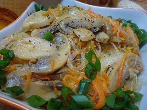 Фунчоза с грибами о овощами по-корейски