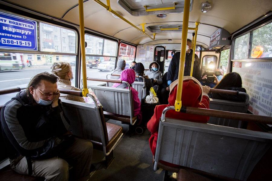 фото «Высаживать нельзя, но можно не пускать»: новосибирские перевозчики уже нашли способ обойти закон о детях-безбилетниках 2
