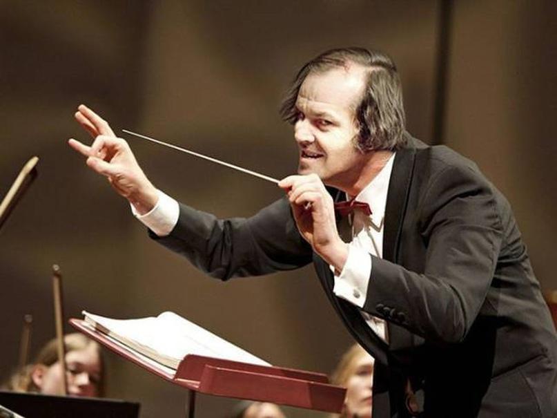 Музыкальный руководитель — это дирижер вашего коллектива