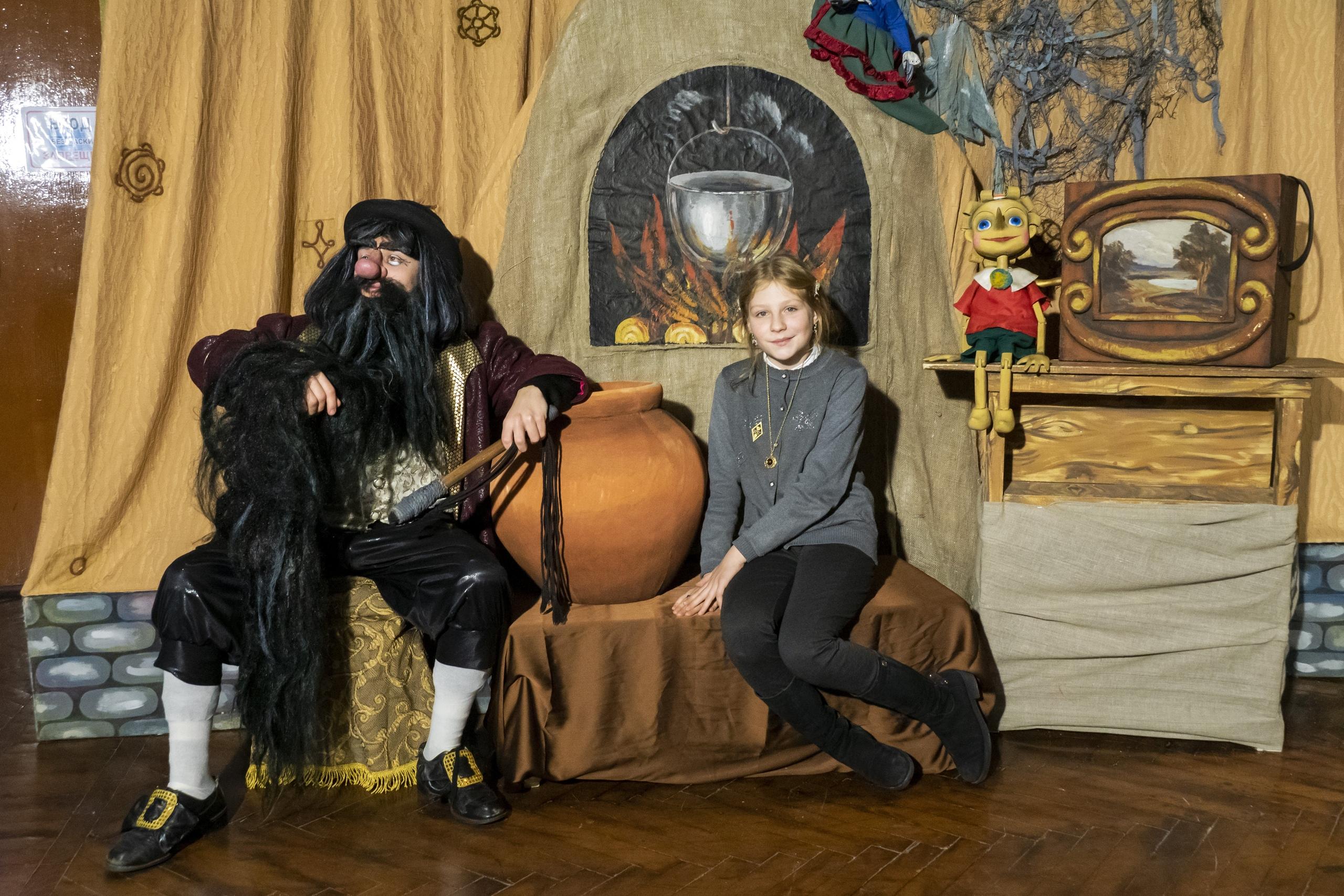 В Тверском театре кукол появились оригинальные новогодние фотозоны