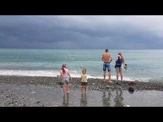 """После ГРОЗЫ купаться МОЖНО - ШТОРМА нет, вода t +27°С! Пляж """"Морская звезда"""", Лазаревское"""