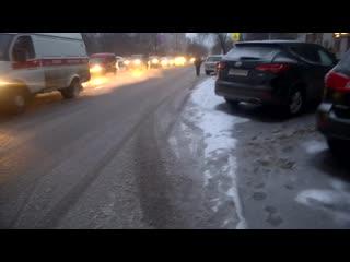 """Так называемая пешеходная дорожка у магазина """" Кардинал"""" на Кирова."""