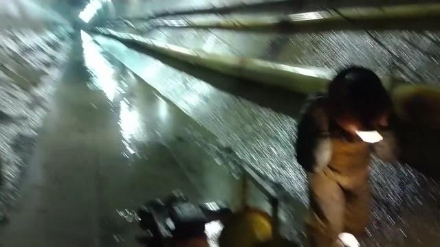 ПОЖАР В ДЫРЕ ударная волна в туннеле